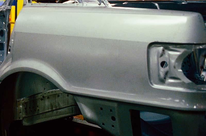 Examens et réparations des carrosseries accidentées